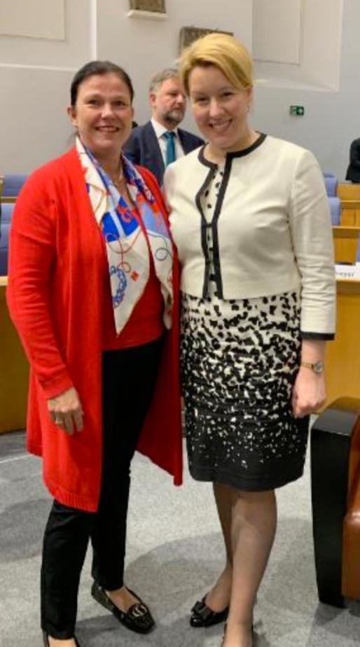Pm Talk Im Plenum Mit Dr Franziska Giffey Und Malu Dreyer Landesfrauenrat Rlp De